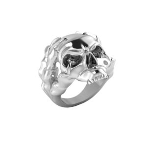 Give yourself a new look with the black & silver of this men's ring